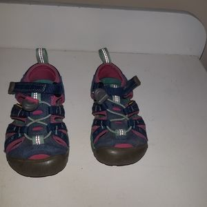 2/15$ Keen Baby / Toddler Shoes Blue/pink  size 8